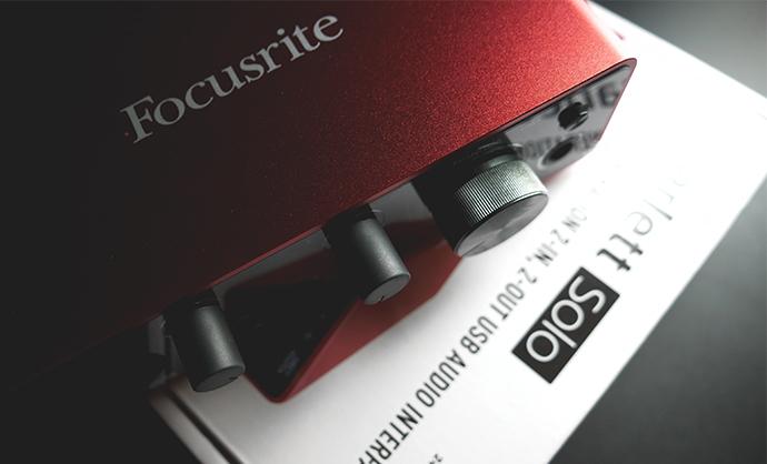 Focusrite Scarlett SOLO GEN3 รุ่นเริ่มต้นสำหรับคนทำงานเพลง อัดเสียง ทำรายการได้สบาย ในราคาเบาๆเพียง 4990 บาท